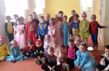 Dziś w przedszkolu śmiech i tańce