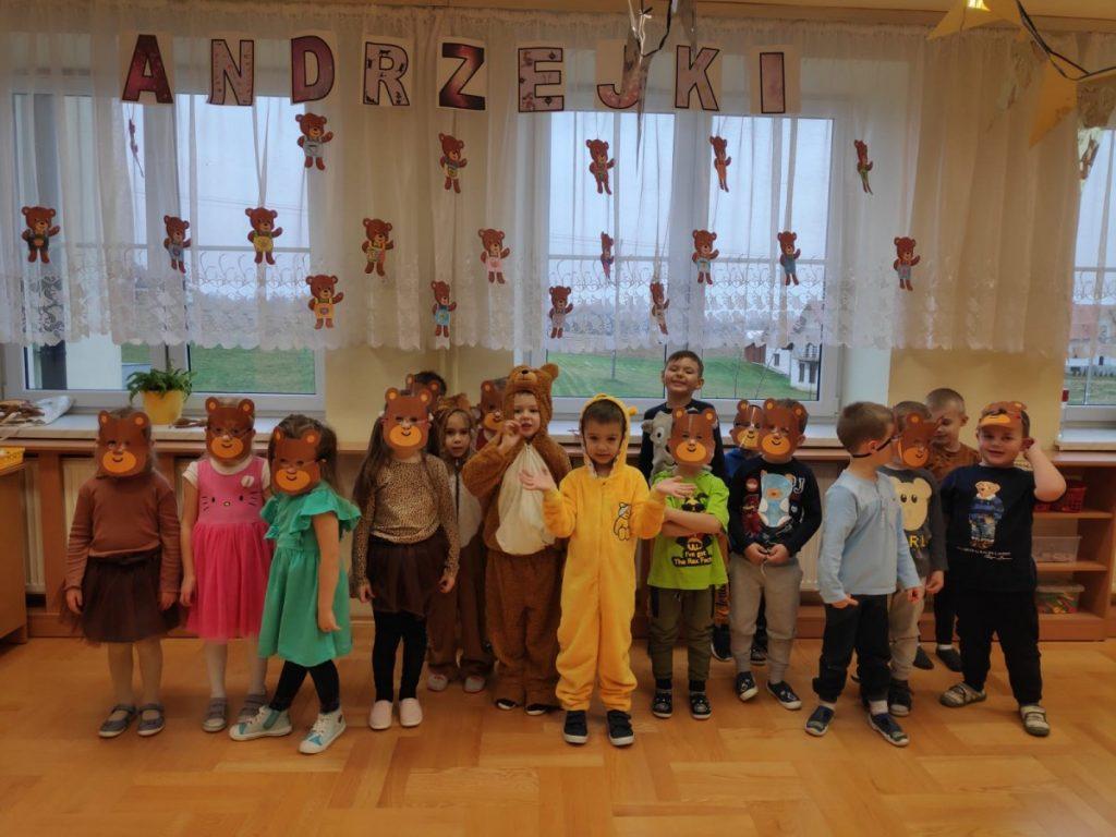 Zabawa  Andrzejkowa w przedszkolu